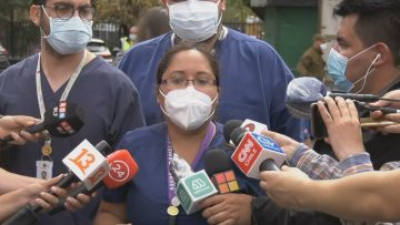 300121-16 DIRIGENTES ENFERMEROS INCENDIO HOSPITAL SAN BORJA 01 (VANESSA MORALES-PRESIDENTA ASOCIACIÓN DE ENFEREMROS HOSPITAL SAN BORJA)